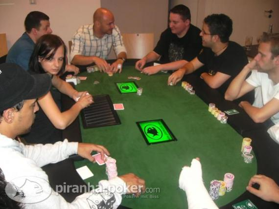 Piranha Poker HIGH-STACK SUPERFINALE am Donnerstag, den 21.Mai 2009 im Hilton Garden Inn Stuttgart